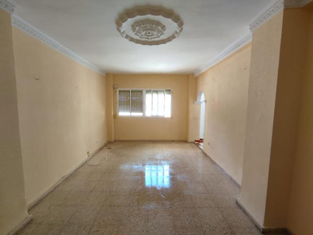 Piso en venta en San Fernando, Cádiz, Calle Poeta Hermanos Machado, 83.500 €, 89 m2