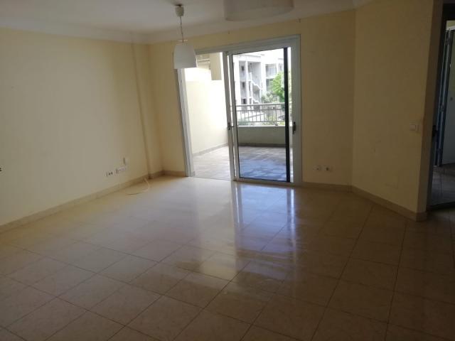 Piso en venta en Las Rosas, Arona, Santa Cruz de Tenerife, Calle Ruiseñor, 250.000 €, 3 habitaciones, 2 baños, 115 m2