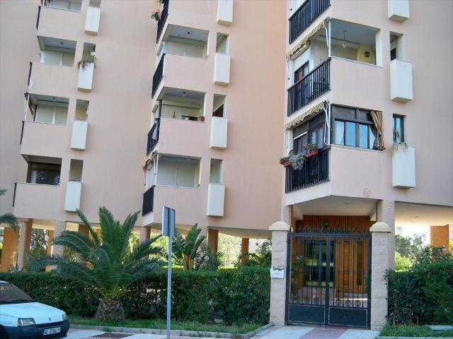 Piso en venta en Aguadulce, Roquetas de Mar, Almería, Paseo de los Sauces, 69.000 €, 2 habitaciones, 1 baño, 74 m2