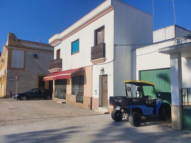 Piso en venta en Las Tres Piedras, Chipiona, Cádiz, Avenida Granada, 70.000 €, 2 habitaciones, 1 baño, 55 m2