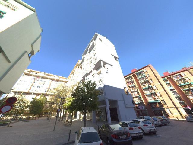 Piso en venta en Ca N`ustrell, Sabadell, Barcelona, Plaza Dels Castanyers, 99.900 €, 3 habitaciones, 1 baño, 82 m2