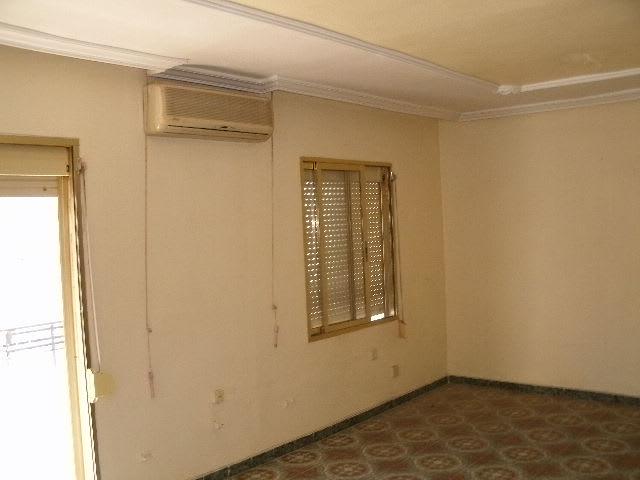 Piso en venta en Los Ángeles, Alicante/alacant, Alicante, Calle Escritor Ferrandiz Torremocha, 30.881 €, 2 habitaciones, 1 baño, 87 m2