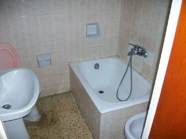 Piso en venta en Poblenou, Pineda de Mar, Barcelona, Calle Valles, 79.025 €, 3 habitaciones, 1 baño, 60 m2