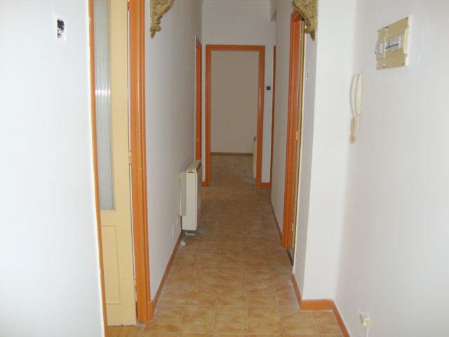 Piso en venta en Piso en Ferrol, A Coruña, 45.900 €, 3 habitaciones, 1 baño, 94 m2