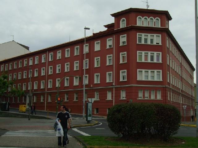 Piso en venta en Esteiro, Ferrol, A Coruña, Avenida Vigo, 60.000 €, 3 habitaciones, 1 baño, 100 m2