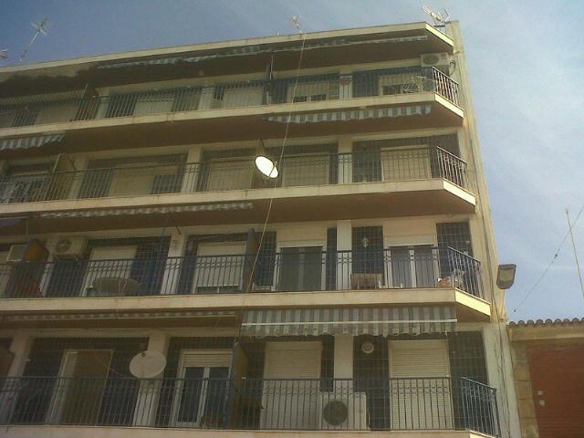 Piso en venta en Algueña, Alicante, Calle Capitan Cortes, 26.000 €, 3 habitaciones, 2 baños, 136 m2