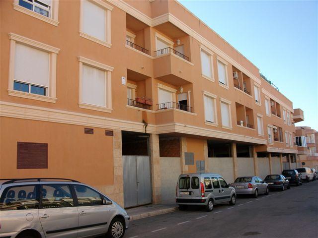 Piso en venta en Los Montesinos, Alicante, Calle Montesineros Ausentes, 56.750 €, 2 habitaciones, 1 baño, 93 m2