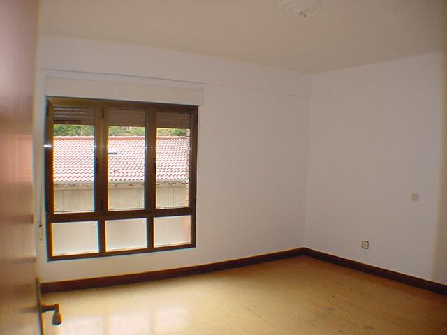 Piso en venta en Sotrondio, San Martín del Rey Aurelio, Asturias, Calle la Hueria, 37.000 €, 3 habitaciones, 1 baño, 84 m2