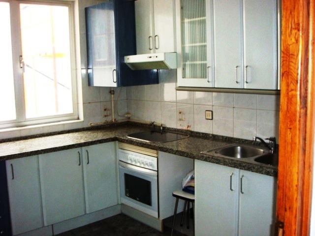 Piso en venta en La Bañeza, León, Calle Doctor Palanca, 49.000 €, 3 habitaciones, 1 baño, 104 m2