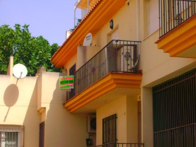 Piso en venta en Huétor Vega, Granada, Calle Cuesta de los Valdivias, 156.000 €, 3 habitaciones, 2 baños, 116 m2