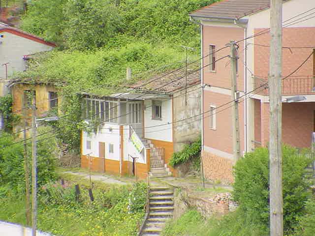 Casa en venta en Sama, San Martín del Rey Aurelio, españa, Calle Pumarin, 9.000 €, 2 habitaciones, 1 baño, 56 m2