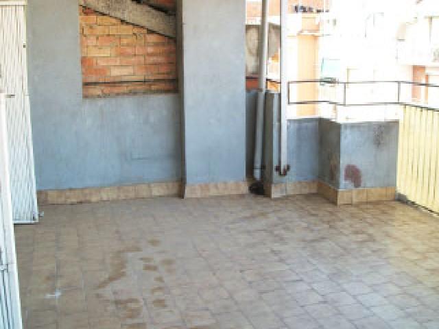 Piso en venta en Barberà del Vallès, Barcelona, Avenida Generalitat, 226.400 €, 4 habitaciones, 1 baño, 104 m2