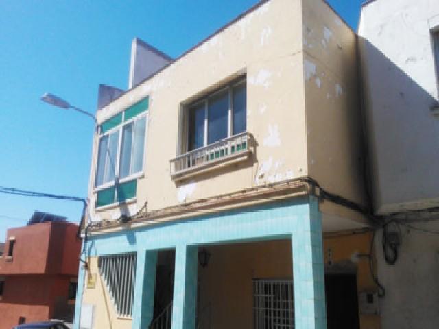 Piso en venta en El Rinconcillo, Algeciras, Cádiz, Calle los Arbolitos, 70.000 €, 1 habitación, 1 baño, 78 m2