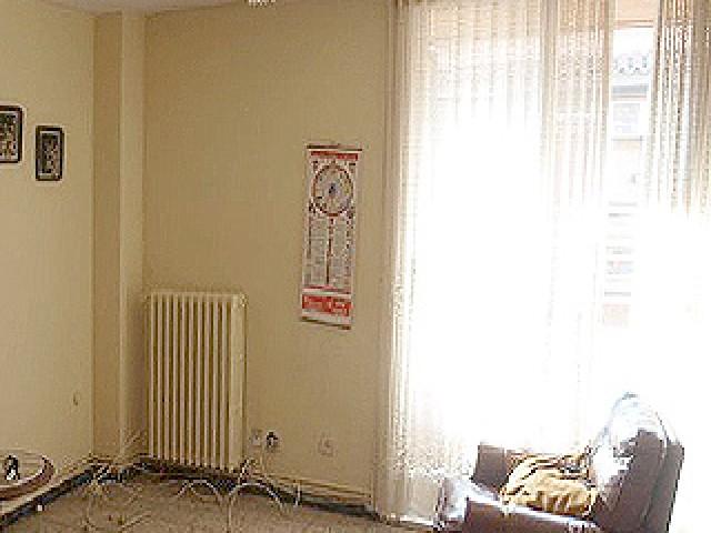 Piso en venta en Gualda, Lleida, Lleida, Calle Pere Coma, 69.100 €, 4 habitaciones, 1 baño, 131 m2