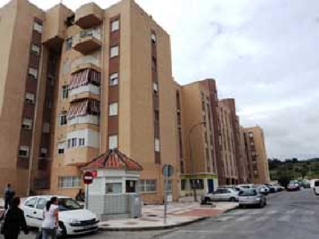 Piso en venta en Barriada Islas Canarias, Estepona, Málaga, Calle Jorge Guillen, 136.900 €, 2 habitaciones, 1 baño, 85 m2