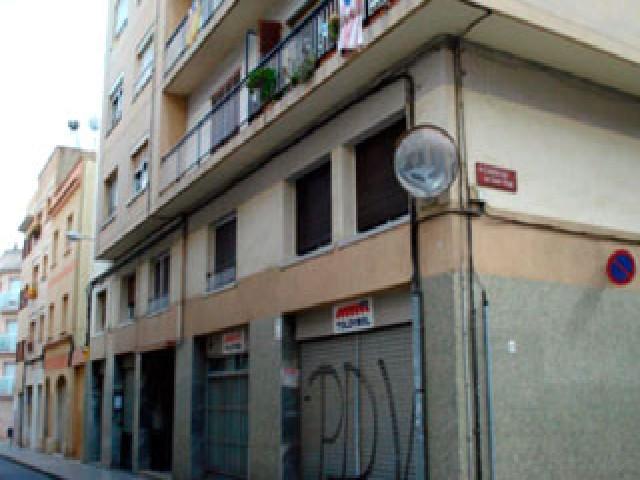 Piso en venta en El Carme, Reus, Tarragona, Calle Sardá, 107.000 €, 4 habitaciones, 1 baño, 114 m2