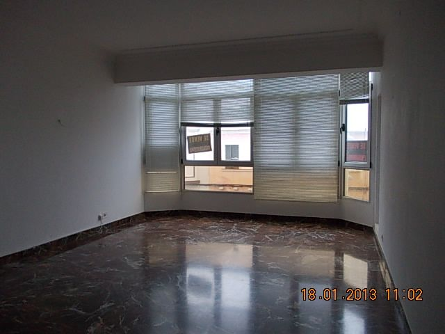 Piso en venta en Alaior, Baleares, Calle Ruiz I Pablo, 162.000 €, 4 habitaciones, 1 baño, 140 m2