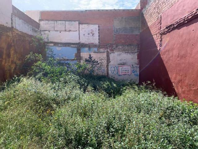 Piso en venta en El Port de Sagunt, Sagunto/sagunt, Valencia, Calle Alfambra, 79.000 €, 1 baño, 96 m2