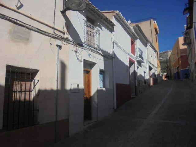 Casa en venta en Villena, Alicante, Calle Maestro Molto, 75.000 €, 3 habitaciones, 1 baño, 169 m2