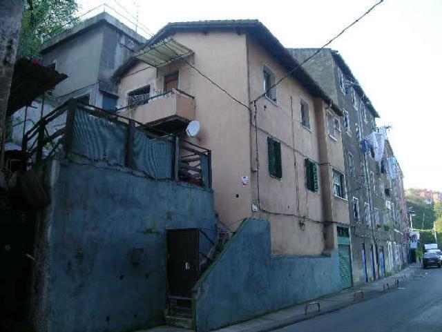 Piso en venta en Barakaldo, Vizcaya, Calle Zubileta, 46.000 €, 2 habitaciones, 2 baños, 66 m2