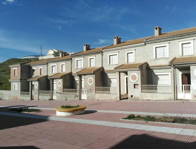 Casa en venta en La Carolina, Jaén, Paseo San Juan de la Cruz, 69.000 €, 3 habitaciones, 3 baños, 193 m2