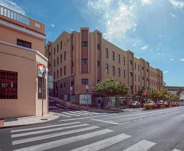 Piso en venta en Guía de Isora, Santa Cruz de Tenerife, Calle la Castellana Edif-los Corazones, 112.300 €, 84 m2