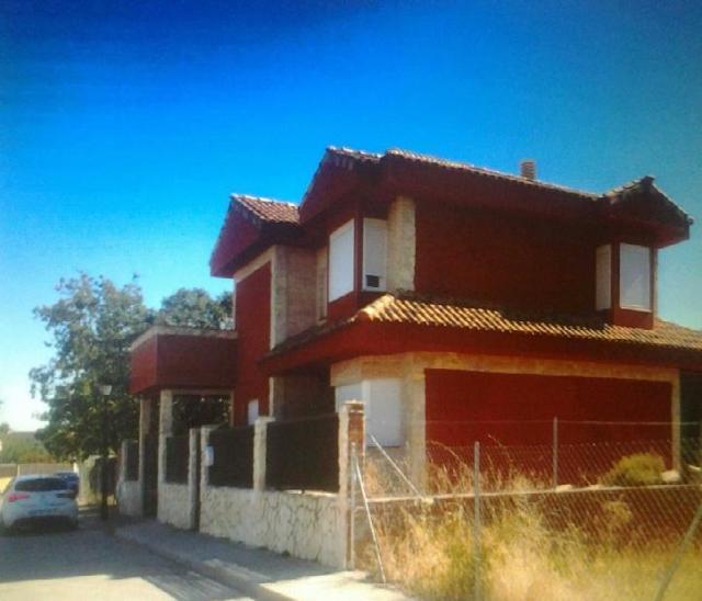 Casa en venta en Guadalix de la Sierra, Guadalix de la Sierra, Madrid, Calle de los Olmos, 230.000 €, 5 habitaciones, 3 baños, 202 m2