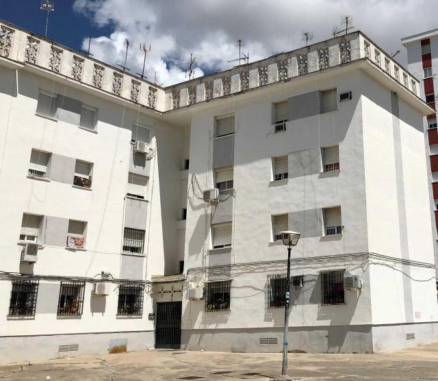 Piso en venta en San Benito, Jerez de la Frontera, Cádiz, Calle Maestro Álvarez Beigbeder, 27.000 €, 3 habitaciones, 1 baño, 77 m2