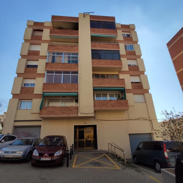 Piso en venta en Esparreguera, Barcelona, Calle Font del Vidal, 95.000 €, 1 habitación, 1 baño, 70 m2