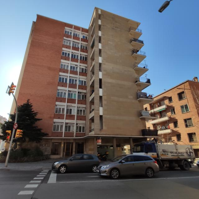 Piso en venta en Valldaura, Manresa, Barcelona, Carretera Cardona, 95.000 €, 2 baños, 108 m2