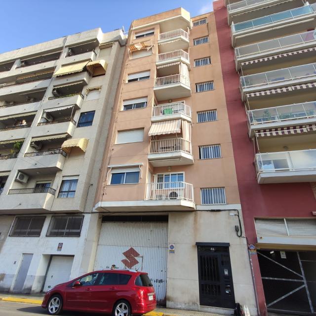 Piso en venta en Gandia, Valencia, Calle del Mondubver, 87.500 €, 3 habitaciones, 2 baños, 127 m2