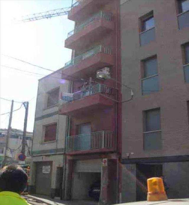 Piso en venta en Sant Pere Nord, Terrassa, Barcelona, Calle Manresa, 102.000 €, 1 baño, 105 m2