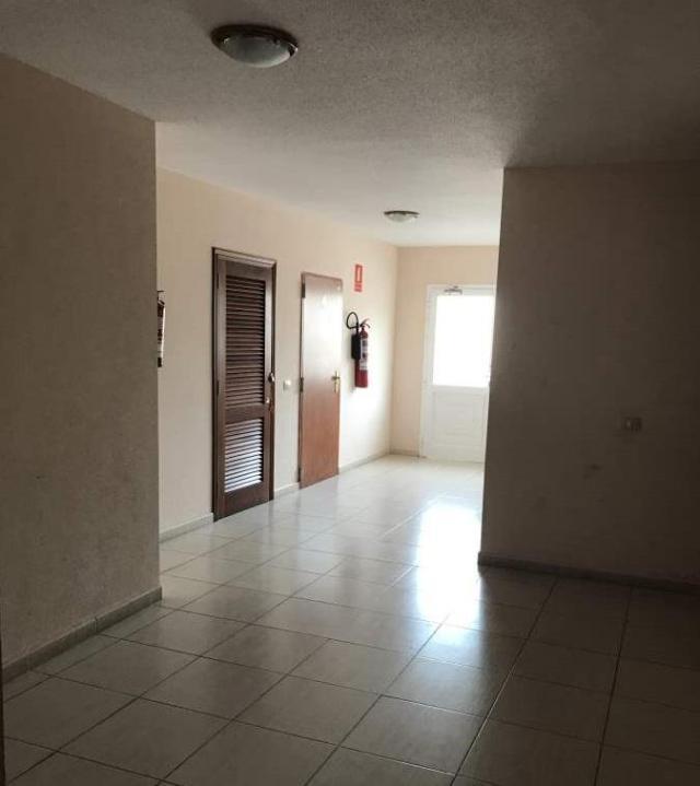 Piso en venta en Cabo Blanco, Arona, Santa Cruz de Tenerife, Calle Garajonay, 68.146 €, 72 m2