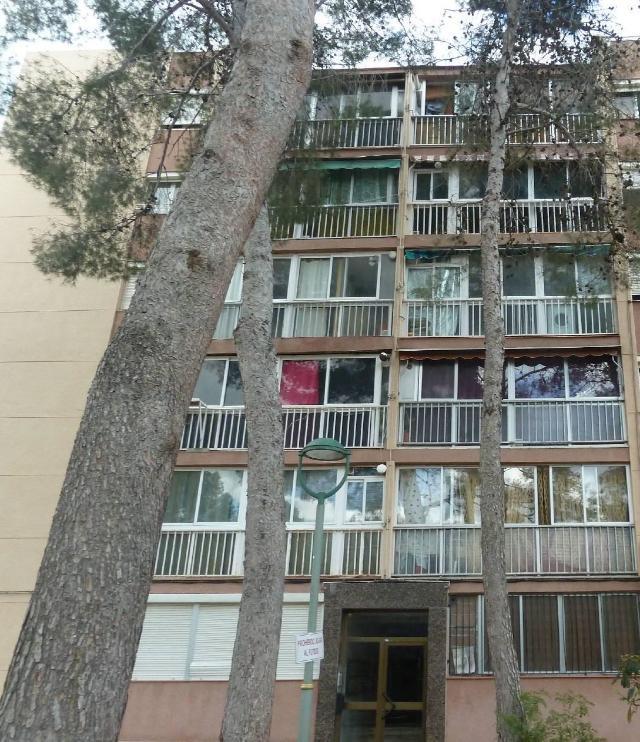 Piso en venta en Sant Salvador, Tarragona, Tarragona, Avenida Pallaresos, 21.300 €, 3 habitaciones, 1 baño, 65 m2