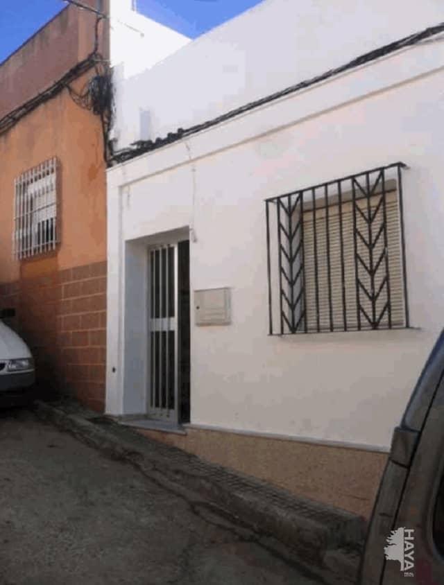 Casa en venta en Chiclana de la Frontera, Cádiz, Calle Victorio Macho, 80.000 €, 5 habitaciones, 1 baño, 179 m2