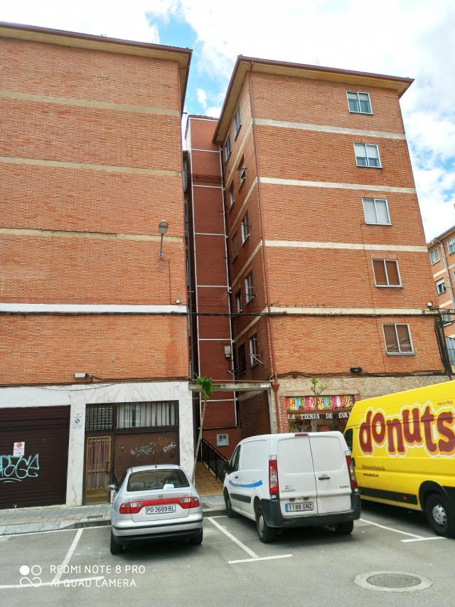 Piso en venta en Santiago, Palencia, Palencia, Calle Manuel de Falla, 37.300 €, 3 habitaciones, 1 baño, 62 m2