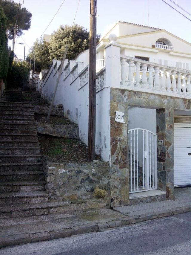 Casa en venta en Can Torrent - Alta Maresma, Santa Susanna, Barcelona, Calle Formentor, 360.900 €, 4 habitaciones, 3 baños, 270 m2