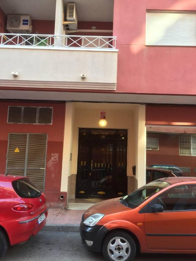 Piso en venta en Urbanización Calas Blancas, Torrevieja, Alicante, Calle Huerto, 96.000 €, 2 habitaciones, 1 baño, 72 m2