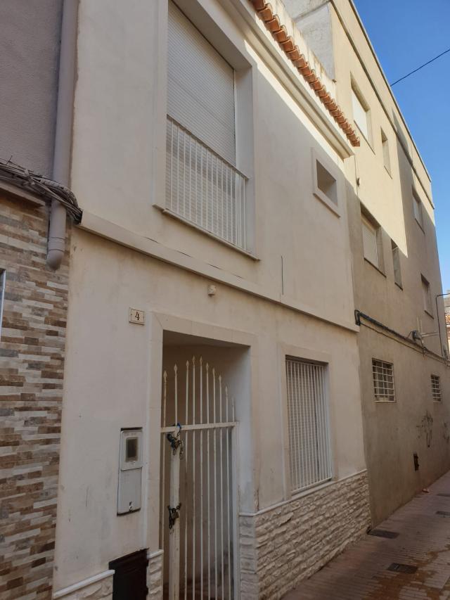 Piso en venta en Gandia, Valencia, Calle Cossi, 90.000 €, 2 habitaciones, 3 baños, 113 m2