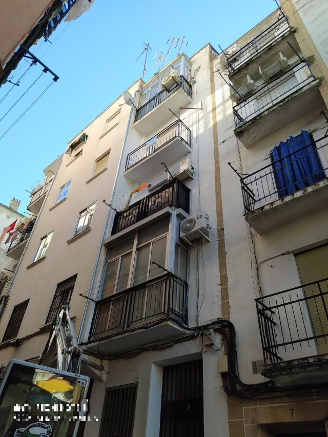 Piso en venta en Plasencia, Cáceres, Calle de Doña Engracia de Monroy, 60.000 €, 1 baño, 67 m2