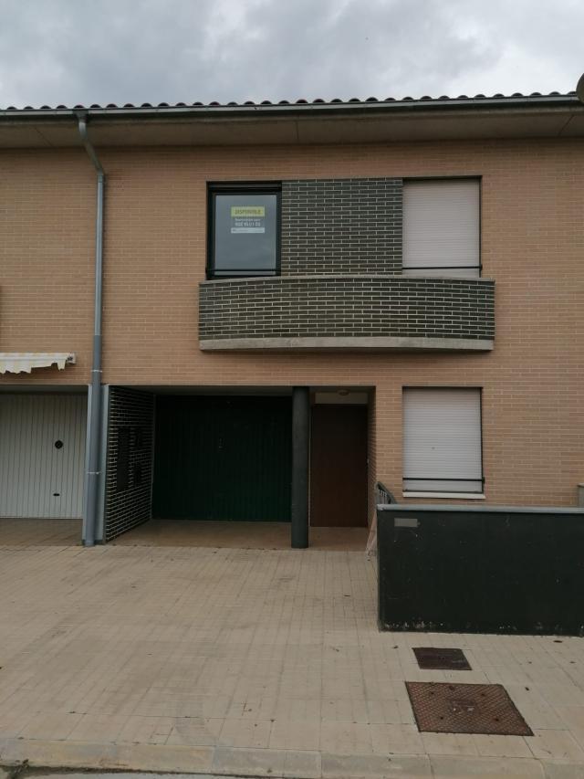 Casa en venta en Cintruénigo, Navarra, Calle Monte de los Pinos, 157.000 €, 3 habitaciones, 2 baños, 218 m2