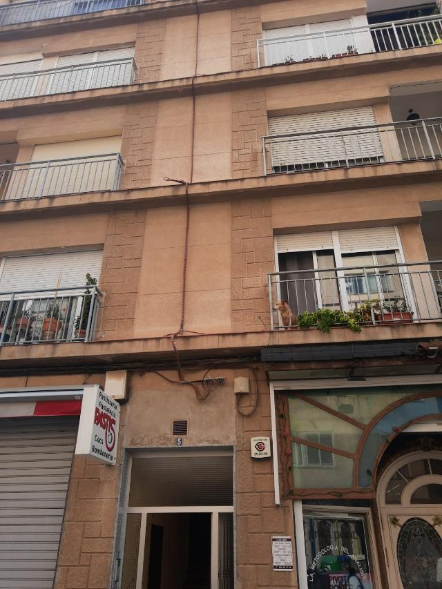 Piso en venta en Vinaròs, Castellón, Avenida de la Libertad, 67.000 €, 4 habitaciones, 1 baño, 125 m2