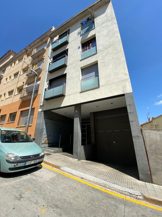 Piso en venta en Arbúcies, Girona, Calle la Selva, 65.000 €, 2 habitaciones, 1 baño, 68 m2