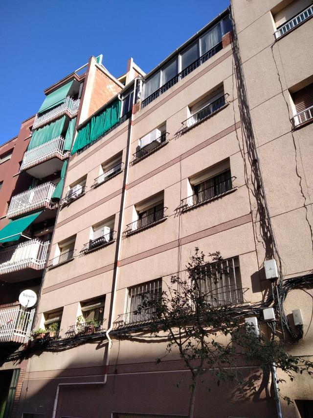 Piso en venta en Badalona, Barcelona, Calle Navas de Tolosa, 100.000 €, 1 habitación, 1 baño, 57 m2