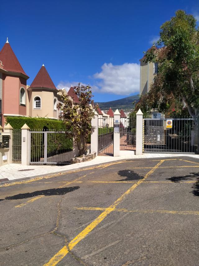 Piso en venta en Santa Úrsula, Santa Cruz de Tenerife, Calle Tajora, 146.500 €, 2 habitaciones, 1 baño, 94 m2