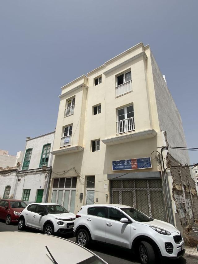 Piso en venta en Arrecife, Las Palmas, Calle Perez Galdos, 94.600 €, 3 habitaciones, 1 baño, 90 m2