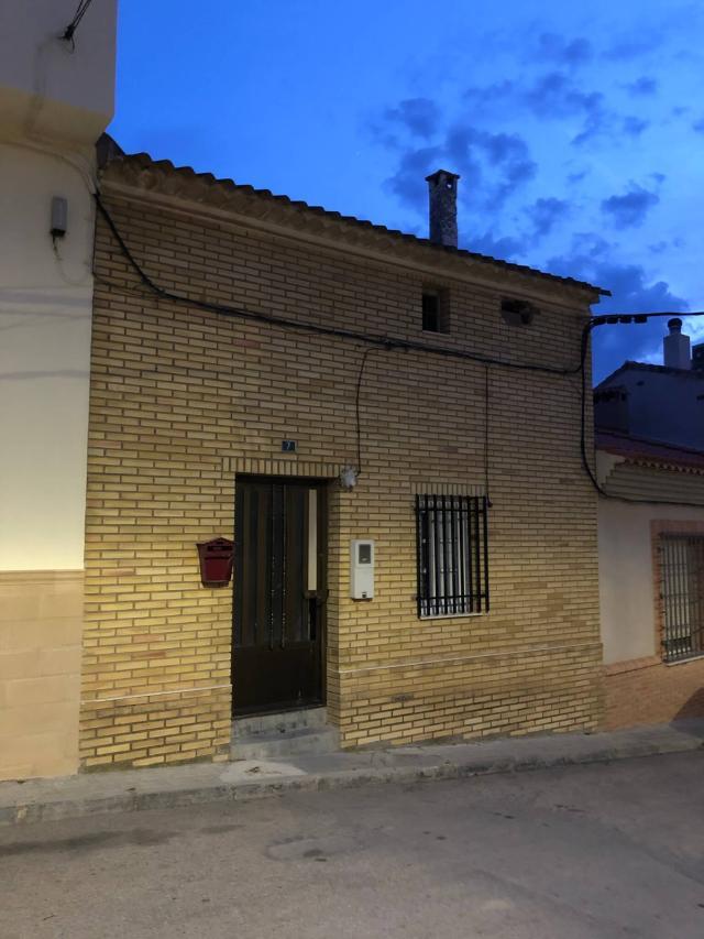 Casa en venta en Las Pedroñeras, Cuenca, Calle Fermin Mota, 56.544 €, 2 baños, 88 m2