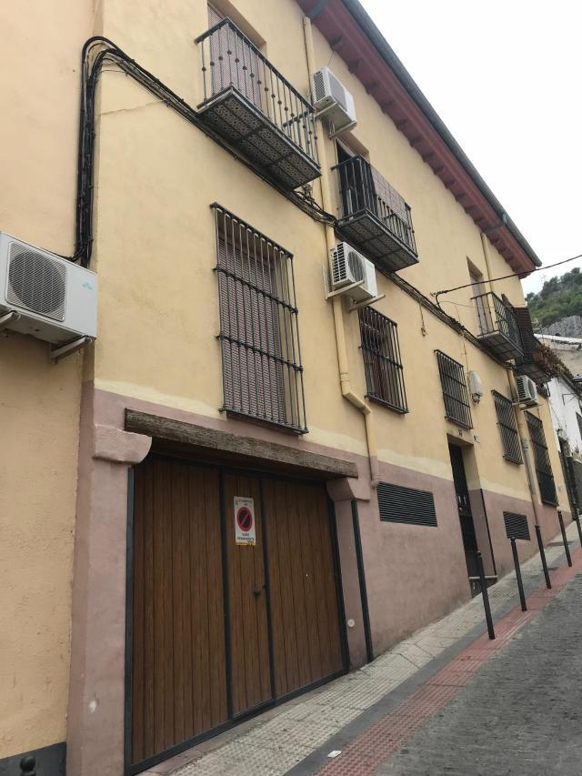 Piso en venta en Jaén, Jaén, Calle Santisima Trinidad, 38.000 €, 3 habitaciones, 1 baño, 98 m2