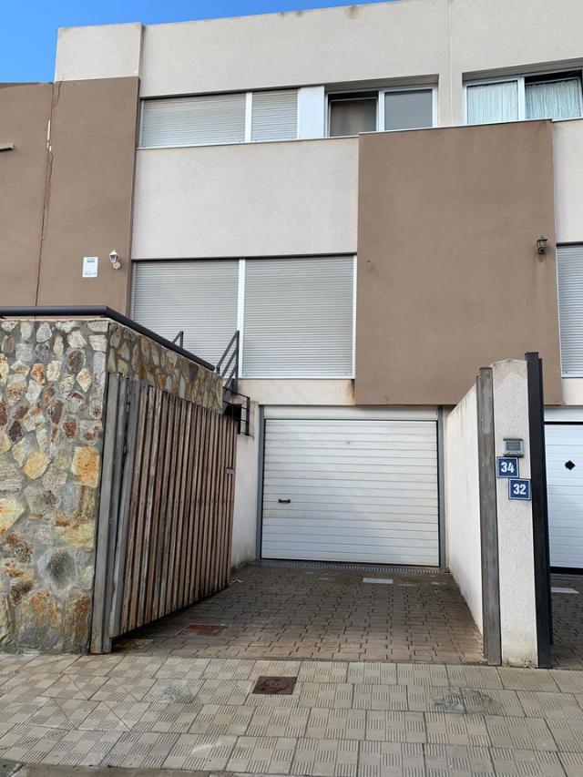 Casa en venta en Santa Cruz de Tenerife, Santa Cruz de Tenerife, Calle Paralela A Gabino Jimenez, 255.000 €, 3 habitaciones, 3 baños, 221 m2