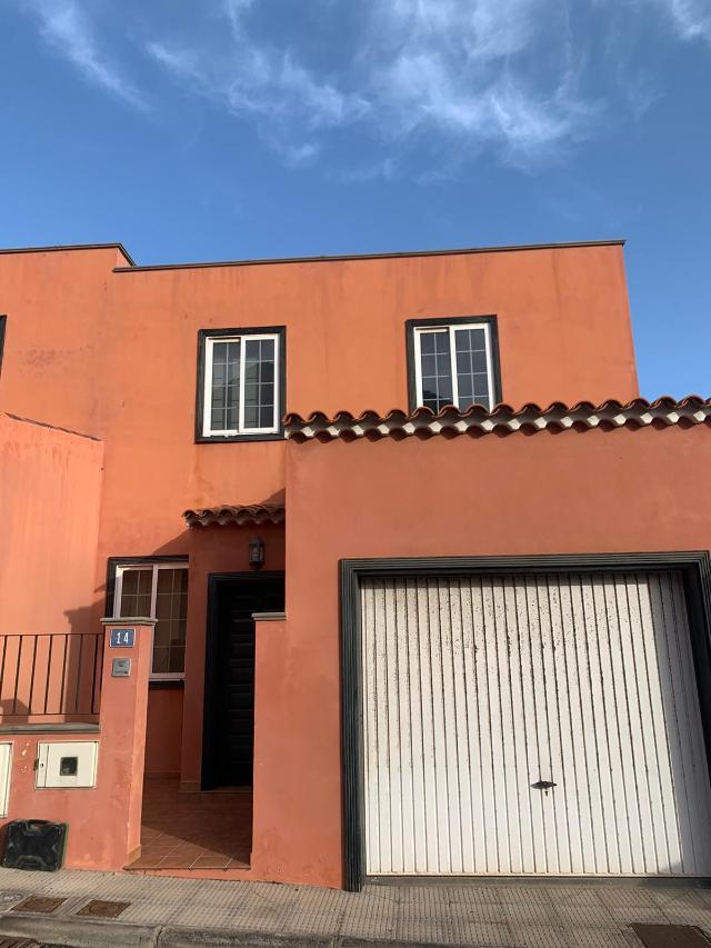 Casa en venta en San Bernardo, los Silos, Santa Cruz de Tenerife, Calle los Alisios (sitio la Canteras), 110.000 €, 3 habitaciones, 2 baños, 122 m2